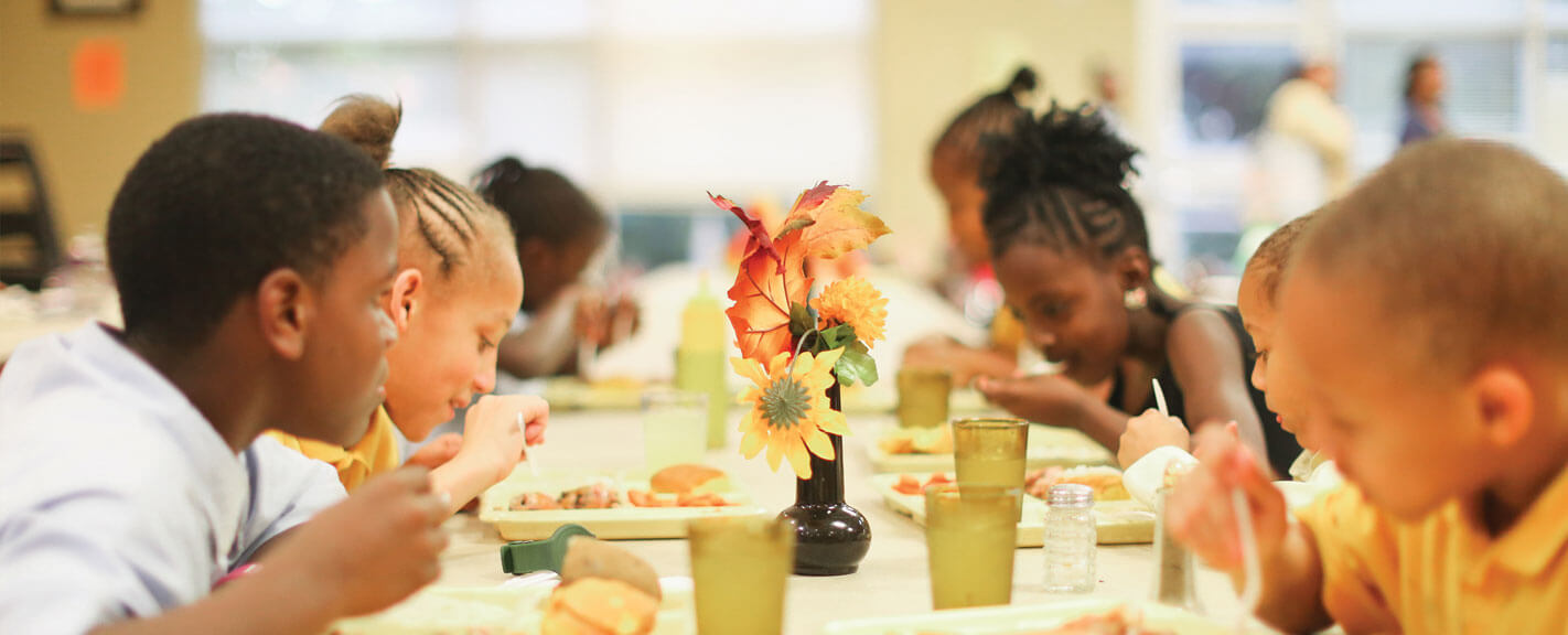 Children eating at Thanksgiving